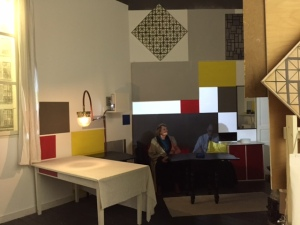 Mondrian's Paris studio recreated in the museum. It was complete with the man himself (video on the wall). Pamela and Mondrian got into a deep conversation.