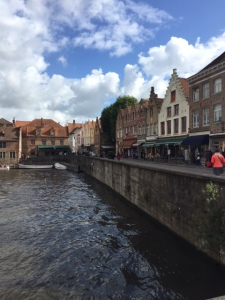 Shops and restaurants along the main canal.