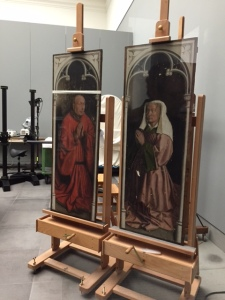 These are the two panels of the patrons for the altarpiece (they are on the closed side)