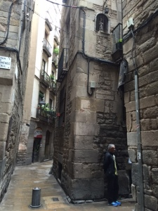 Across the alley from the oldest building you can see the crossroads of two main thoroughfares in the quarter. Look up and you'll see a niche. In the Middle Ages people were illiterate so instead of a street sign there would be a marker or statue to tell the location.