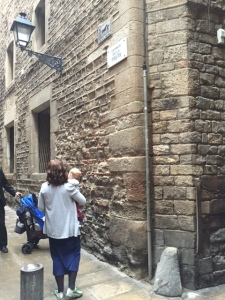 Standing by the oldest building in Barcelona that was home to a very important scholar and rabbi named Rashba who was a student of Ramban (are you confused)?! Notice at the corner the bump for getting off and on your horse.