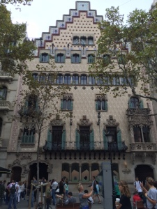 Next is Casa Amattler, designed by Puig i Cadfalch in 1898.  It has a stepped gable roof blending Moorish and Gothic windows with Modernisme.