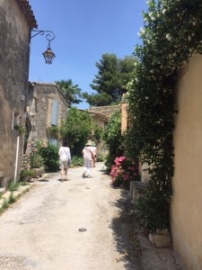 Wending our way back through the village and down to the new village of Oppede.