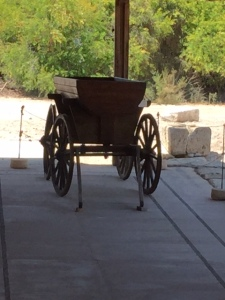 Reproduction of one of the carts that would have traveled along the cardo.